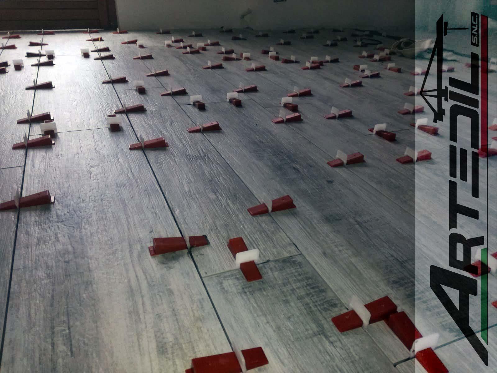 posa pavimenti piastrella effetto legno